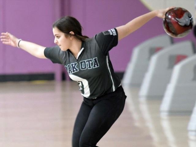 Dakota Bowling: Danielle's Big Win